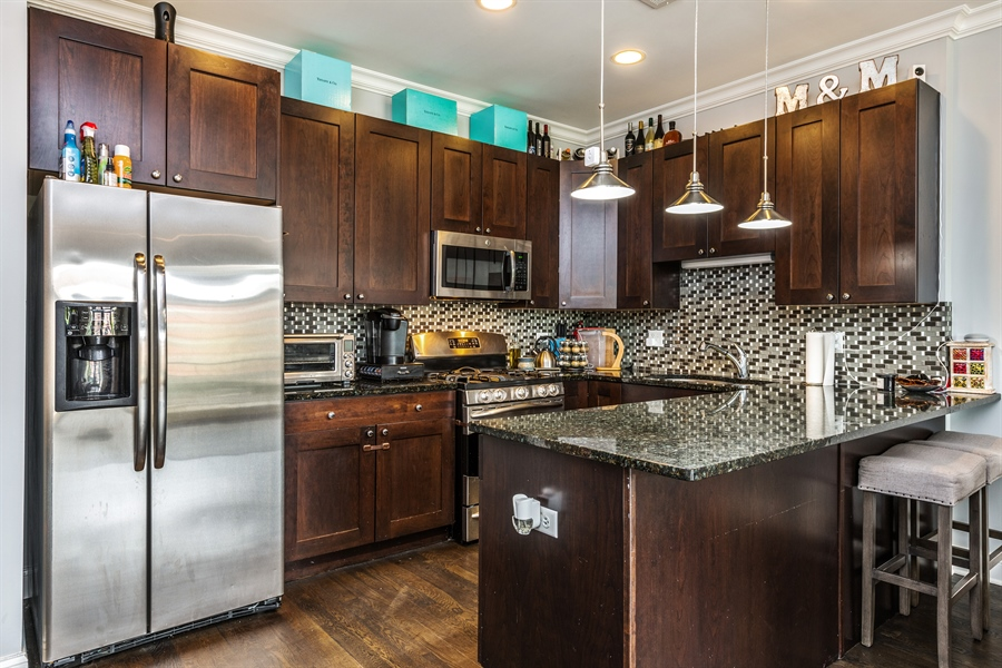 Real Estate Photography - 15 N Bishop, Unit #2, Chicago, IL, 60607 - Kitchen