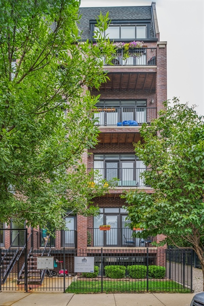 Real Estate Photography - 15 N Bishop, Unit #2, Chicago, IL, 60607 - Front View