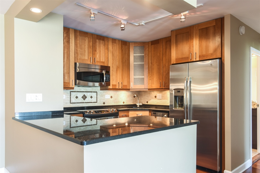 Real Estate Photography - 155 N Harbor Dr, Unit #3102, Chicago, IL, 60601 - Kitchen