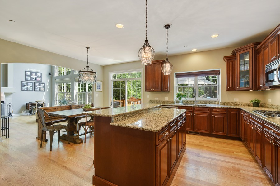 Real Estate Photography - 723 Exmoor Ave, Barrington, IL, 60010 - Kitchen