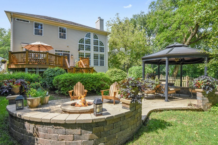 Real Estate Photography - 723 Exmoor Ave, Barrington, IL, 60010 - Rear View