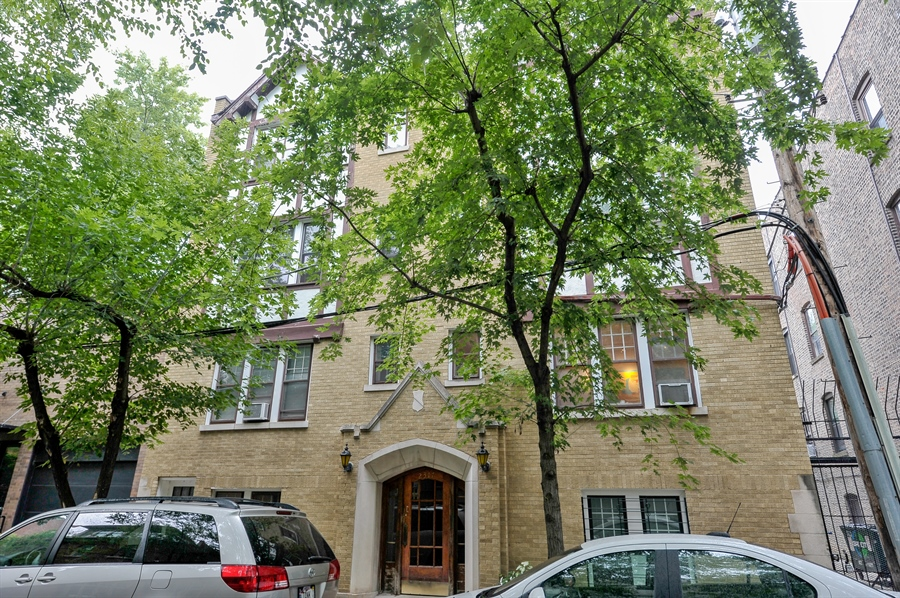 Real Estate Photography - 2317 N Cambridge, Unit 1S, Chicago, IL, 60614 - Front View
