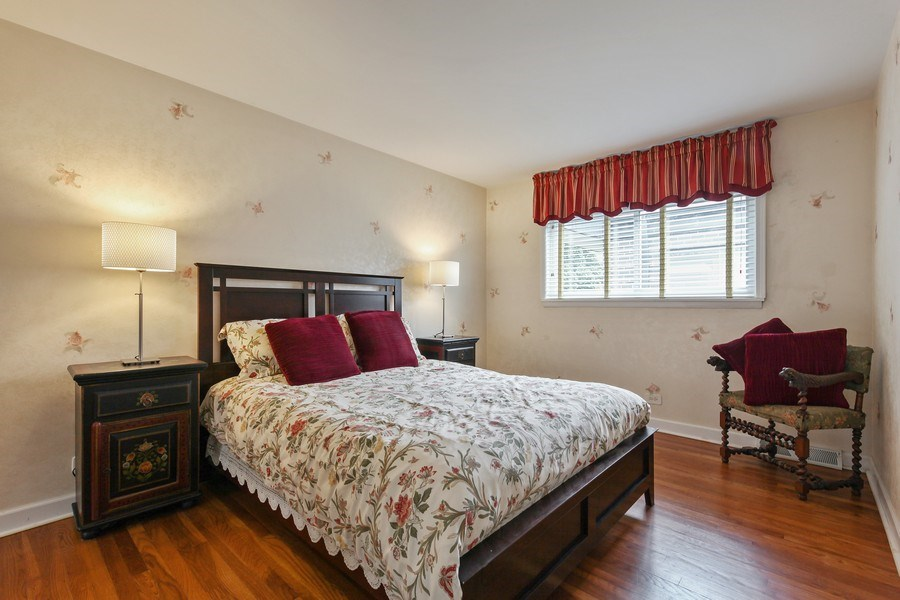 Real Estate Photography - 625 Mulberry Pl, #A, Highland Park, IL, 60035 - 2nd Bedroom