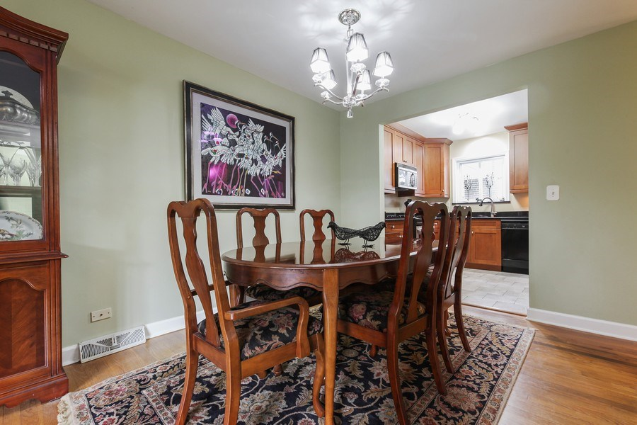 Real Estate Photography - 625 Mulberry Pl, #A, Highland Park, IL, 60035 - Dining Room