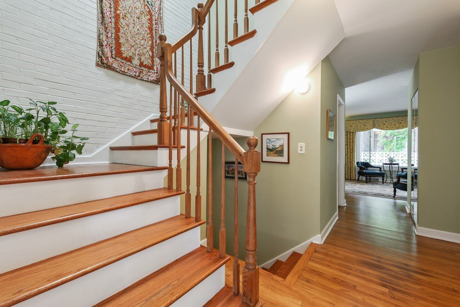 Real Estate Photography - 625 Mulberry Pl, #A, Highland Park, IL, 60035 - Foyer