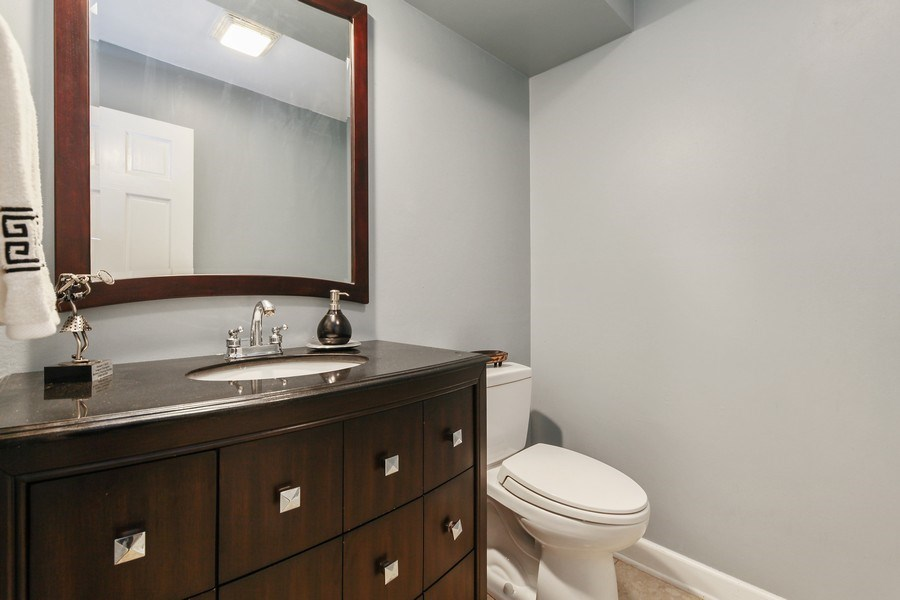Real Estate Photography - 625 Mulberry Pl, #A, Highland Park, IL, 60035 - Half Bath