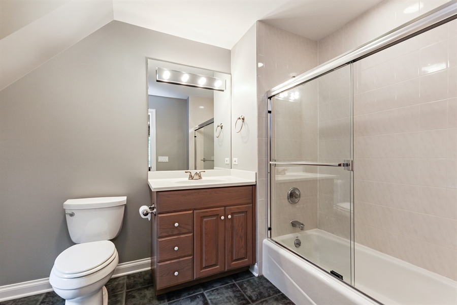 Real Estate Photography - 839 Bob O Link Rd, Highland Park, IL, 60035 - 3rd Bathroom