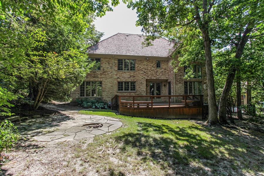 Real Estate Photography - 839 Bob O Link Rd, Highland Park, IL, 60035 - Rear View
