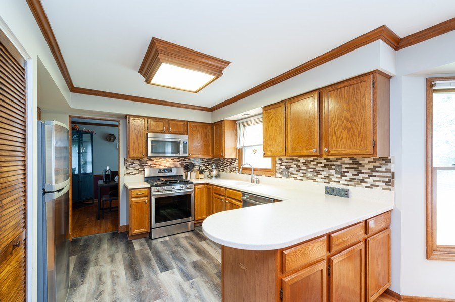 Real Estate Photography - 224 Lexington ave, Fox River Grove, IL, 60021 -