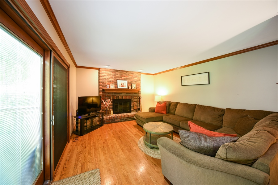Real Estate Photography - 224 Lexington ave, Fox River Grove, IL, 60021 - Family Room