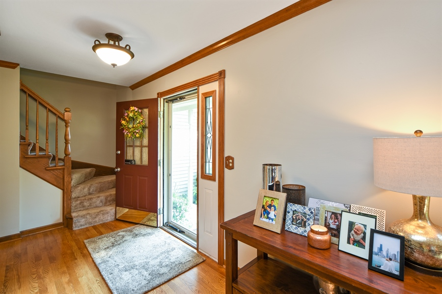 Real Estate Photography - 224 Lexington ave, Fox River Grove, IL, 60021 - Foyer