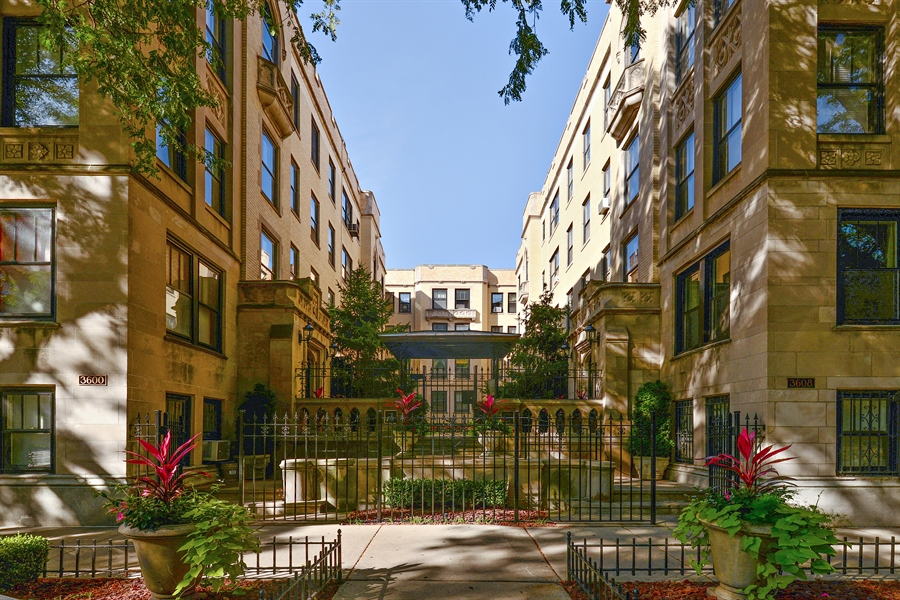 Real Estate Photography - 3602 N. Pine Grove Ave., 2C, Chicago, IL, 60613 - Front View