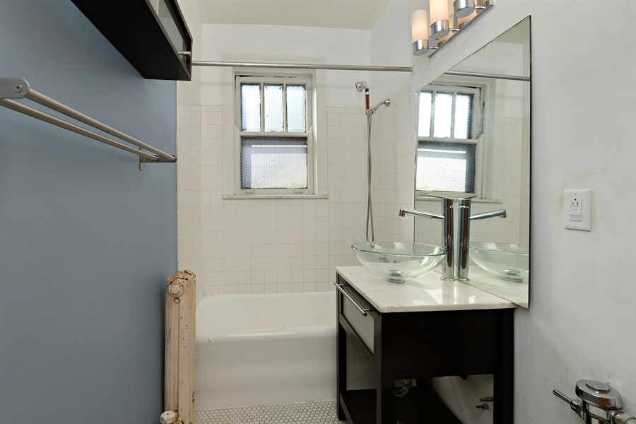 Real Estate Photography - 3602 N. Pine Grove Ave., 2C, Chicago, IL, 60613 - Bathroom