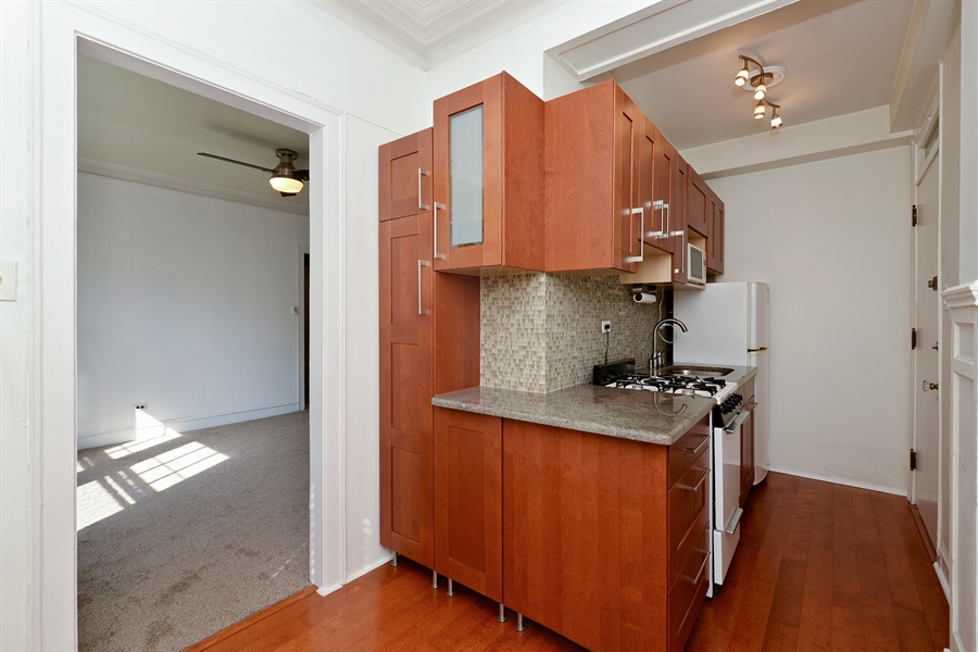 Real Estate Photography - 3602 N. Pine Grove Ave., 2C, Chicago, IL, 60613 - Kitchen/Living