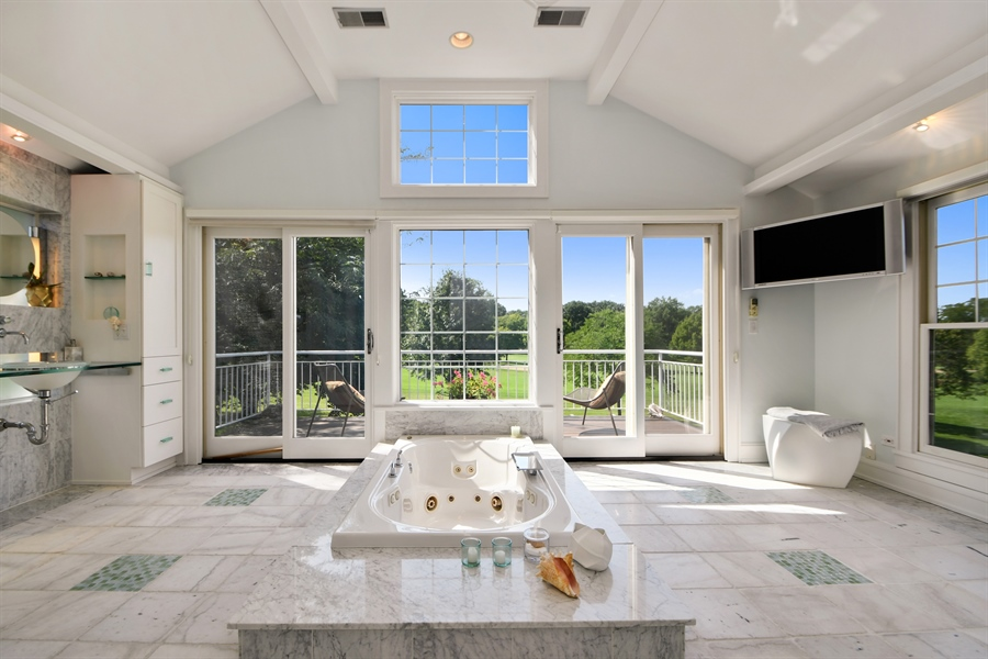 Real Estate Photography - 30 Golf View Lane, Frankfort, IL, 60423 - Master Bathroom