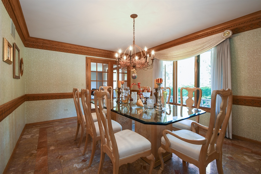 Real Estate Photography - 30 Golf View Lane, Frankfort, IL, 60423 - Dining Room