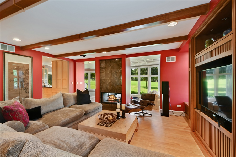 Real Estate Photography - 30 Golf View Lane, Frankfort, IL, 60423 - Family Room