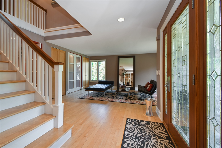 Real Estate Photography - 30 Golf View Lane, Frankfort, IL, 60423 - Foyer
