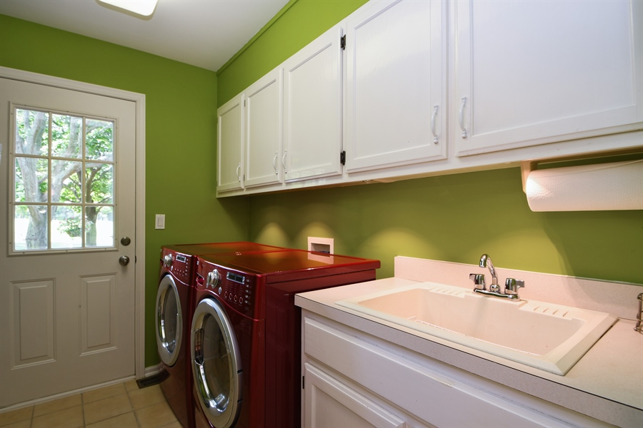 Real Estate Photography - 30 Golf View Lane, Frankfort, IL, 60423 - Laundry Room