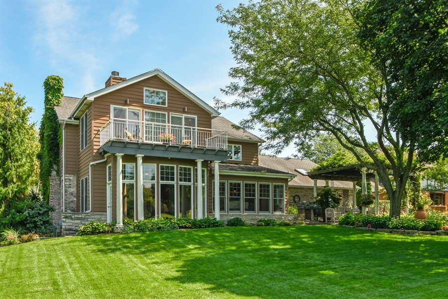 Real Estate Photography - 30 Golf View Lane, Frankfort, IL, 60423 - Rear View