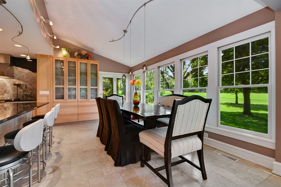 Real Estate Photography - 30 Golf View Lane, Frankfort, IL, 60423 - Breakfast Nook