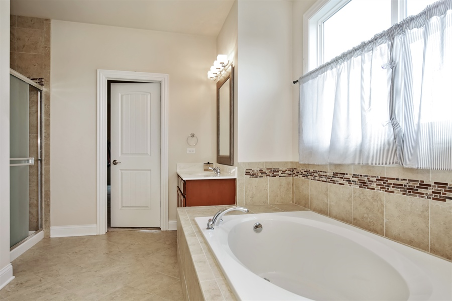 Real Estate Photography - 189 Trumpet Vine Cir., Elgin, IL, 60124 - Master Bathroom