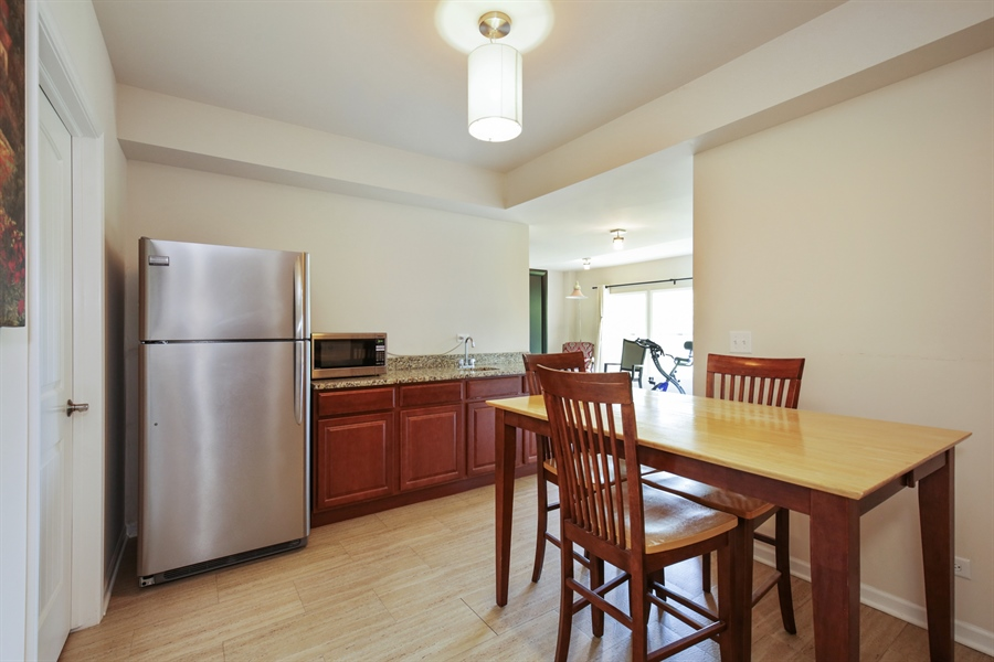 Real Estate Photography - 189 Trumpet Vine Cir., Elgin, IL, 60124 - Kitchen