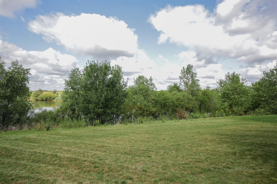 Real Estate Photography - 189 Trumpet Vine Cir., Elgin, IL, 60124 - Back Yard