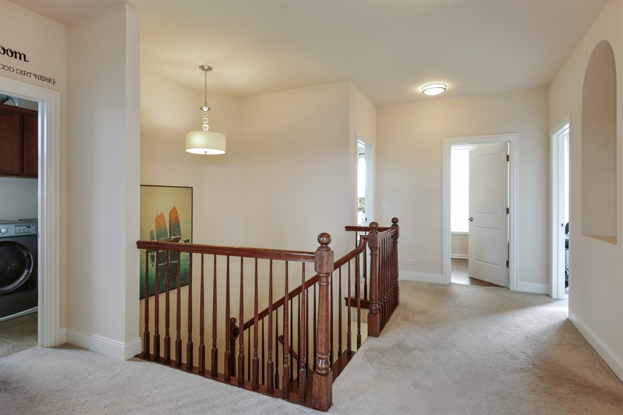 Real Estate Photography - 189 Trumpet Vine Cir., Elgin, IL, 60124 - Hallway