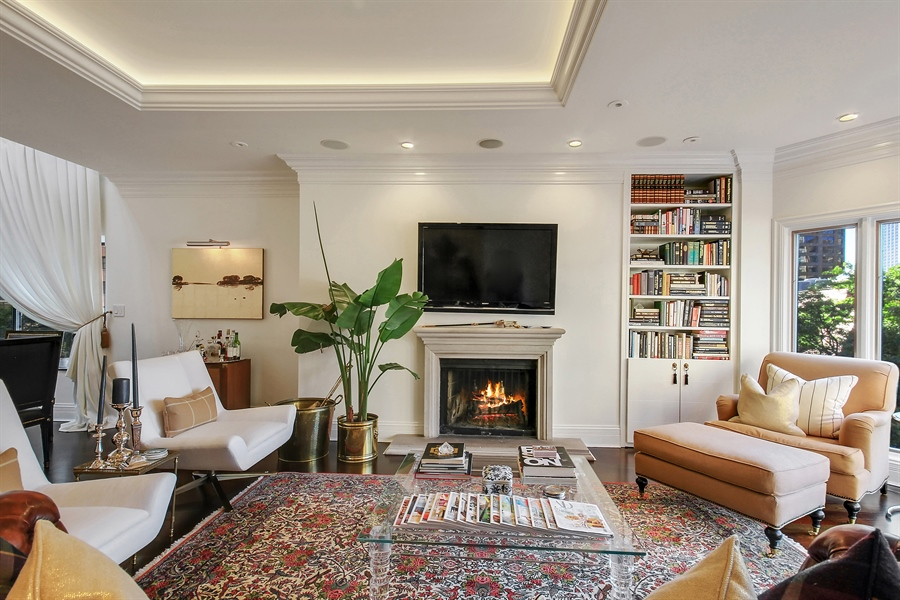 Real Estate Photography - 39 E Schiller Street, Unit 4W, Chicago, IL, 60610 - Living Room