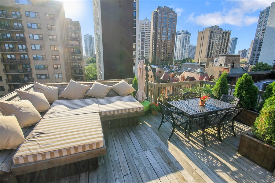 Real Estate Photography - 39 E Schiller Street, Unit 4W, Chicago, IL, 60610 - Roof Top Terrace