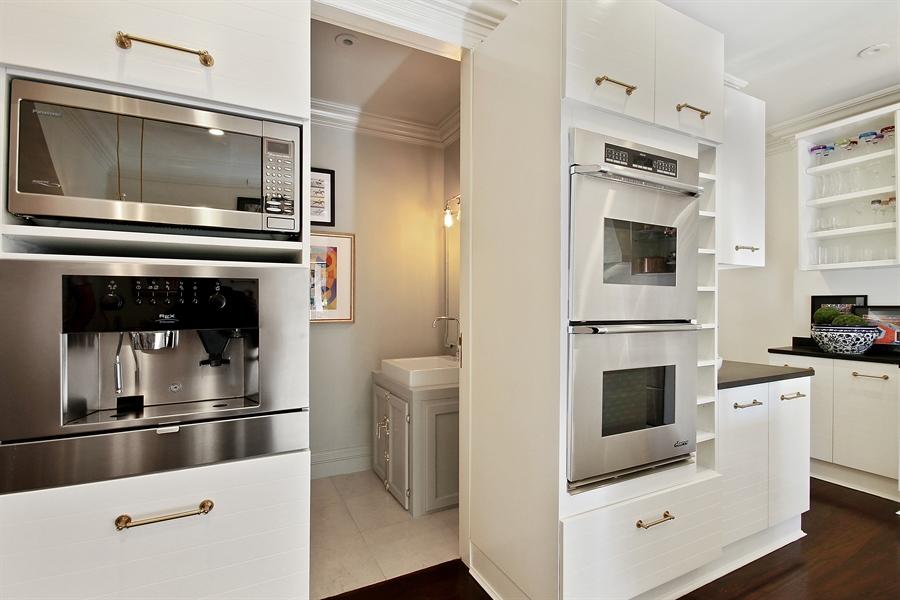 Real Estate Photography - 39 E Schiller Street, Unit 4W, Chicago, IL, 60610 - Bathroom