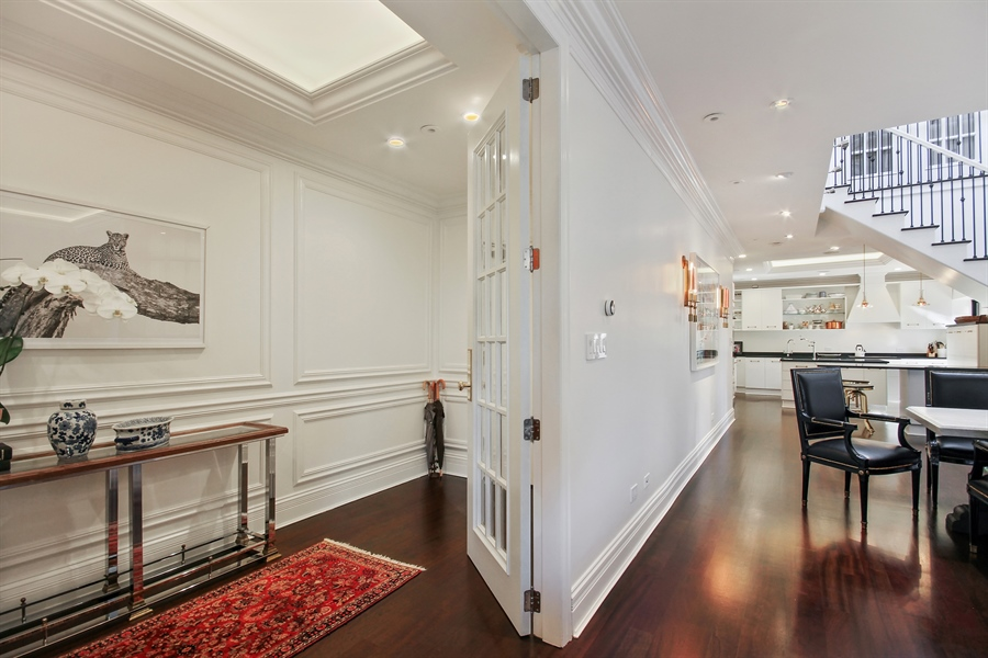 Real Estate Photography - 39 E Schiller Street, Unit 4W, Chicago, IL, 60610 - Entryway