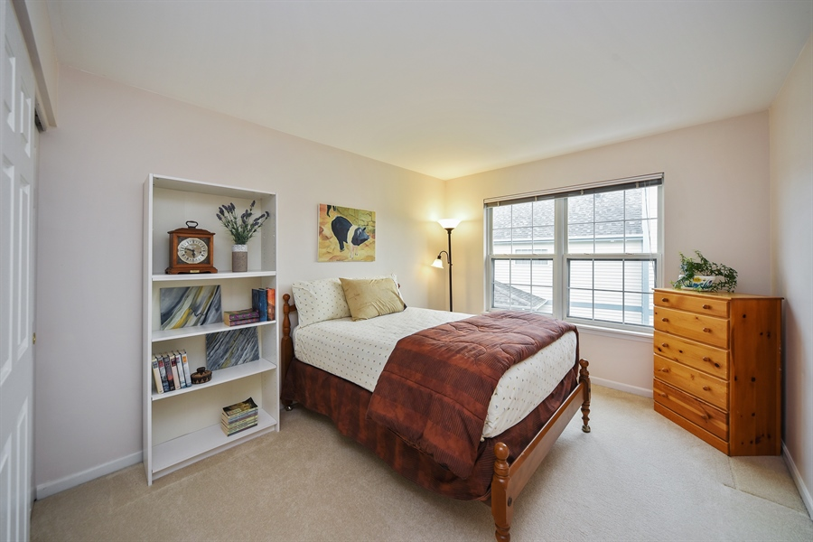 Real Estate Photography - 493 Gatewood Ln, Grayslake, IL, 60030 - 2nd Bedroom