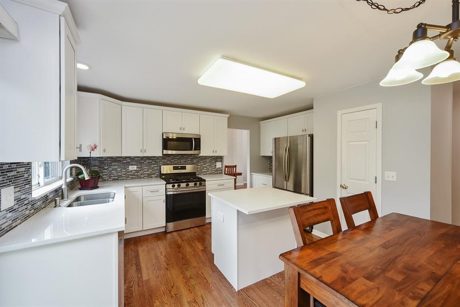 Real Estate Photography - 493 Gatewood Ln, Grayslake, IL, 60030 - Kitchen
