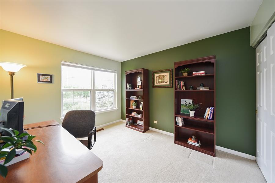 Real Estate Photography - 493 Gatewood Ln, Grayslake, IL, 60030 - Office