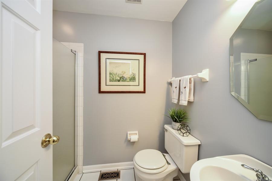 Real Estate Photography - 493 Gatewood Ln, Grayslake, IL, 60030 - 2nd Bathroom
