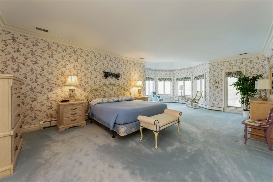 Real Estate Photography - 215 Dundee Rd, Barrington Hills, IL, 60010 - Master Bedroom