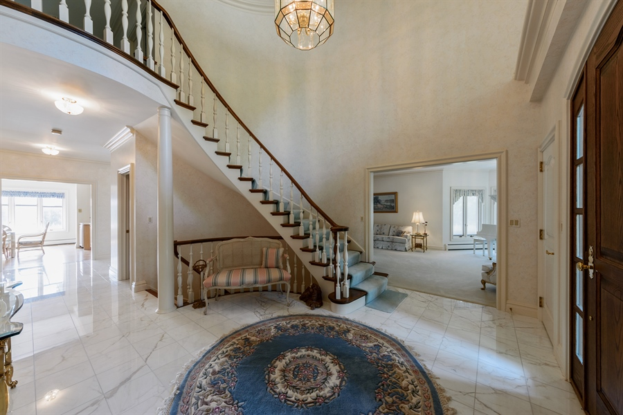Real Estate Photography - 215 Dundee Rd, Barrington Hills, IL, 60010 - Foyer