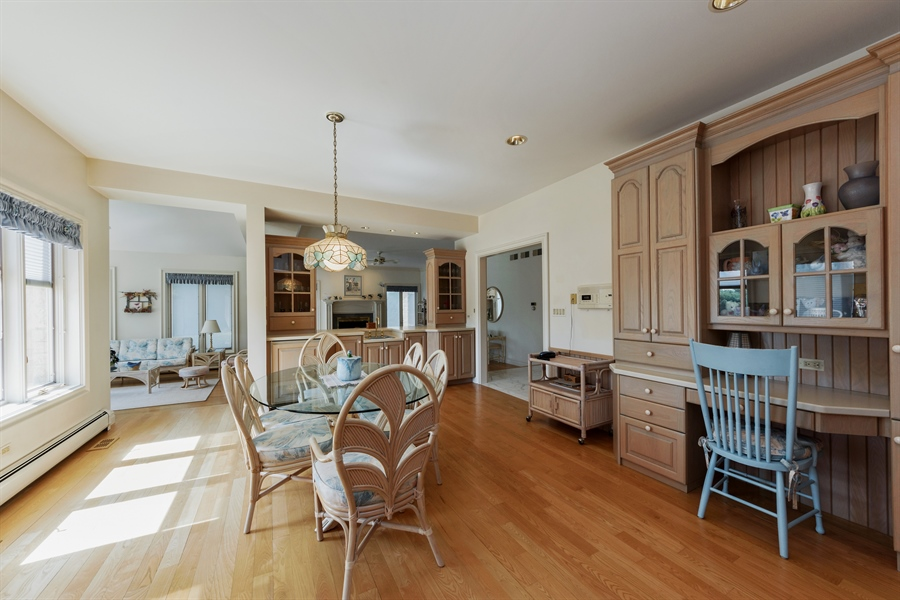 Real Estate Photography - 215 Dundee Rd, Barrington Hills, IL, 60010 - Breakfast Area