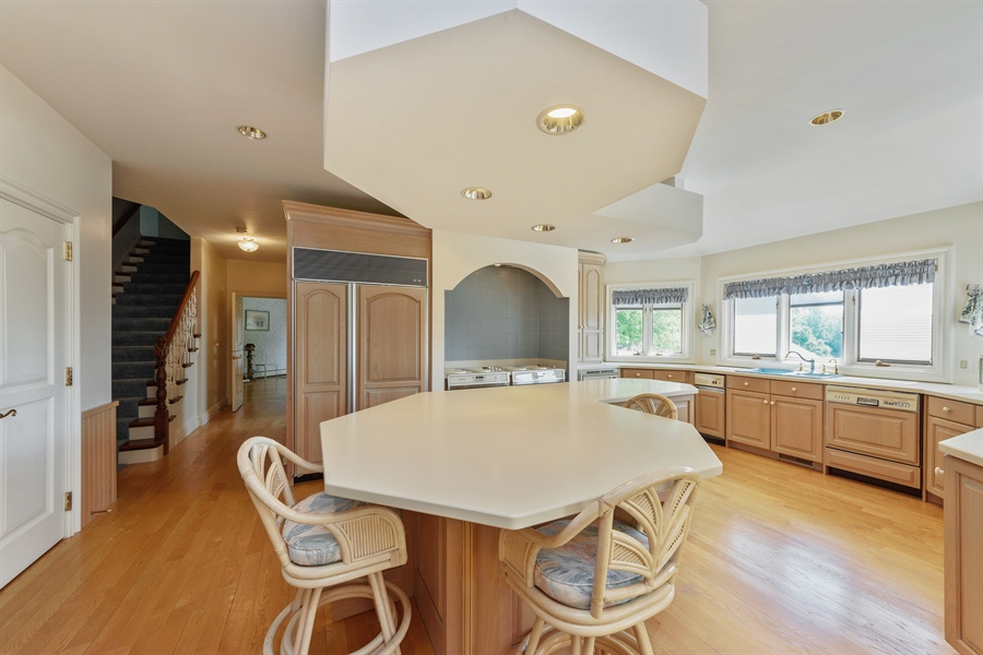 Real Estate Photography - 215 Dundee Rd, Barrington Hills, IL, 60010 - Kitchen