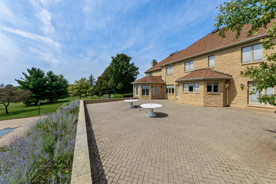 Real Estate Photography - 215 Dundee Rd, Barrington Hills, IL, 60010 - Patio
