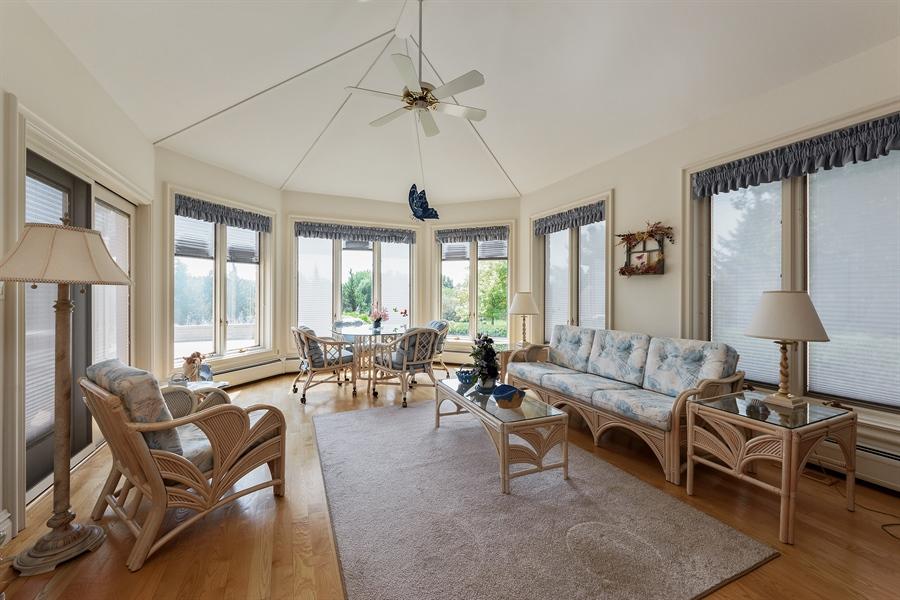 Real Estate Photography - 215 Dundee Rd, Barrington Hills, IL, 60010 - Sun Room
