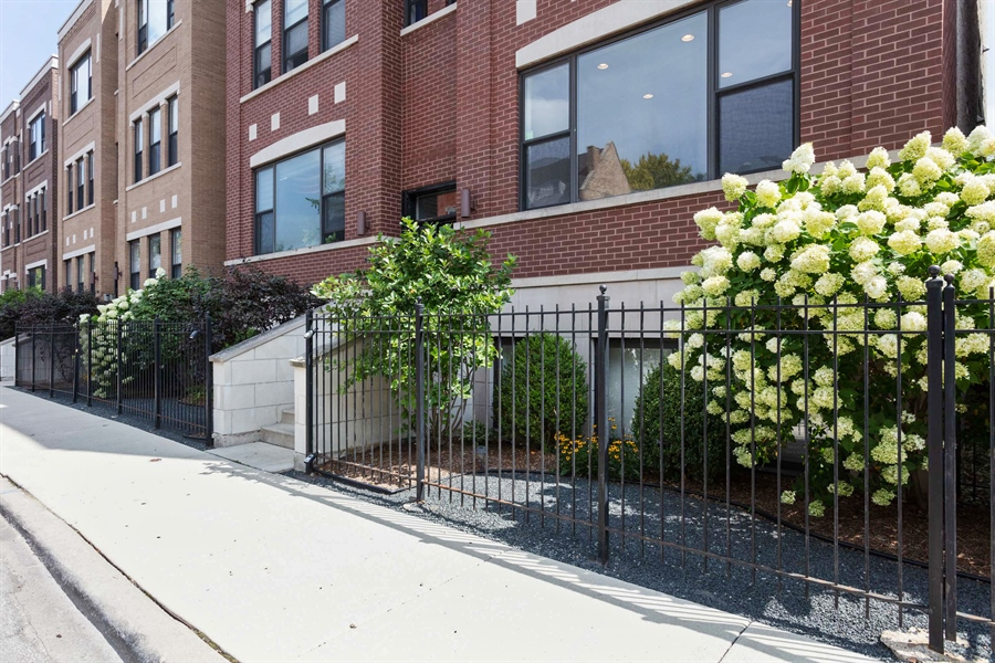 Real Estate Photography - 1257 E 46th St., 101W, Chicago, IL, 60653 - Front View