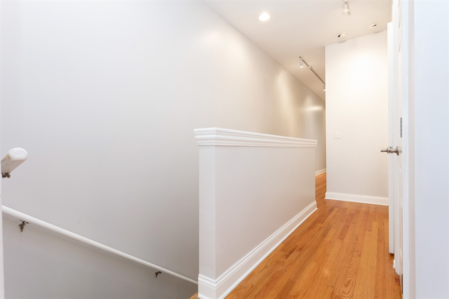 Real Estate Photography - 1257 E 46th St., 101W, Chicago, IL, 60653 - Hallway