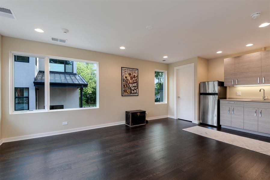 Real Estate Photography - 1133 Leonard Place, Evanston, IL, 60201 - Coach House interior