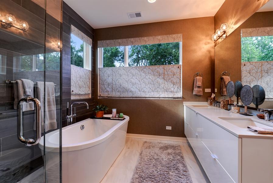 Real Estate Photography - 1133 Leonard Place, Evanston, IL, 60201 - Master Bathroom