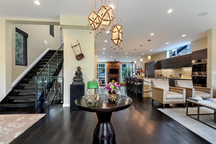 Real Estate Photography - 1133 Leonard Place, Evanston, IL, 60201 - Foyer
