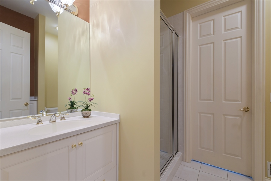 Real Estate Photography - 845 S Belmont Ave, Arlington Heights, IL, 60005 - 4th Bathroom