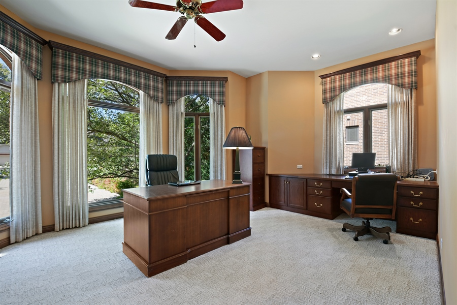 Real Estate Photography - 845 S Belmont Ave, Arlington Heights, IL, 60005 - Office